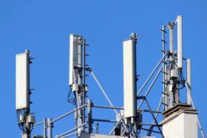 Antennes-relais de type ' panneau ' .